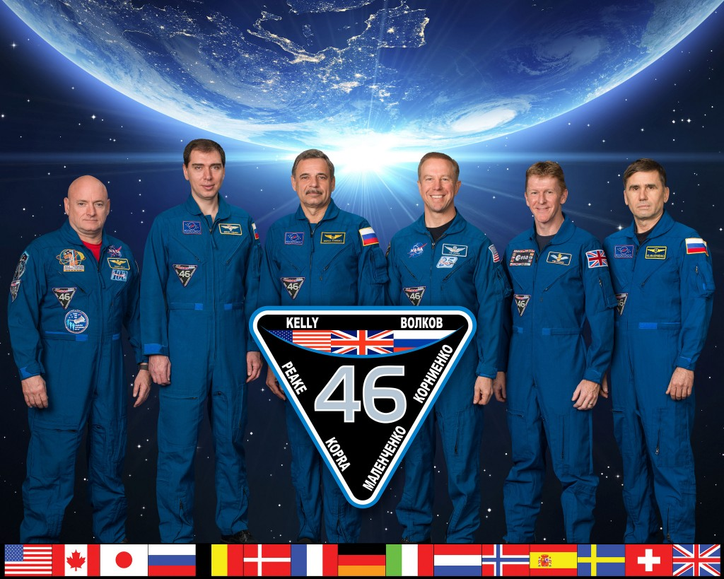 Expedition 46 crew portrait with (from left) Commander Scott Kelly and Flight Engineers Mikhail Kornienko, Sergey Volkov, Timothy Peake, Timothy Kopra and Yuri Malenchenko. Photographer: Robert Markowitz